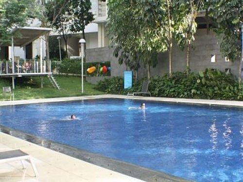swimming pool at homestay damansara