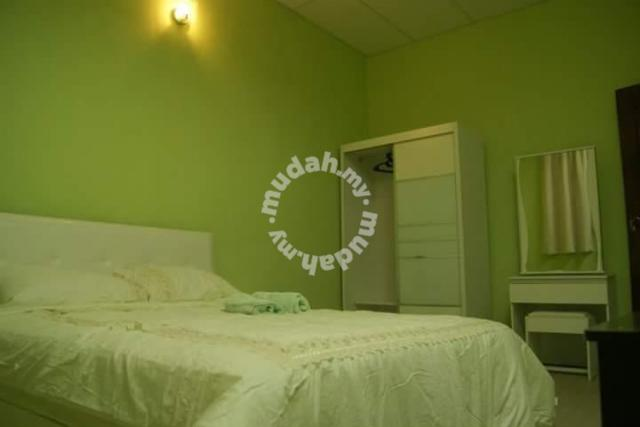 Greenlane Spacious Semi-D Homestay
