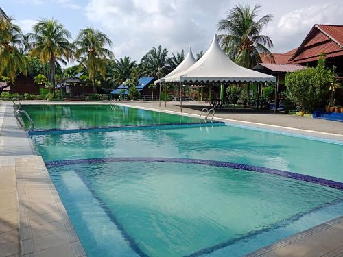 Air Keroh D'Village Resort with swimming pool