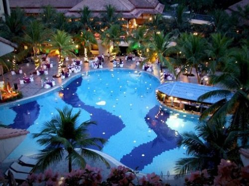 Le Grandeur Palm Resort In Johor With Swimming Pool