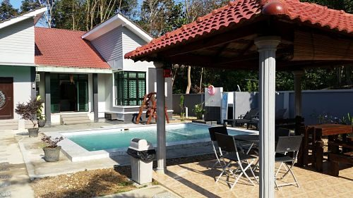 Morak Villa Resort In Kelantan With Swimming Pool