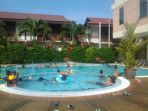 Pangkor Bay View Beach Resort with swimming pool in Perak