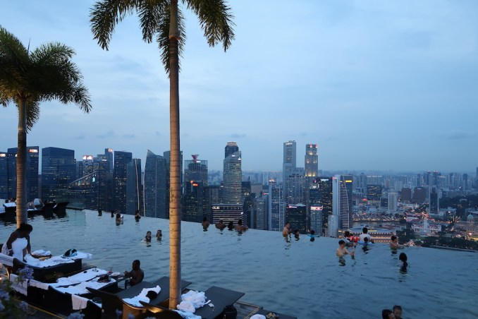 MARINA BAY SANDS: SANDS SKYPARK - SUNSET