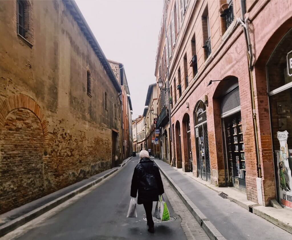 Walking-the-streets-Toulouse